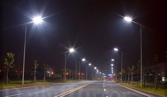 Huge loss alleged in LED street lamp project?