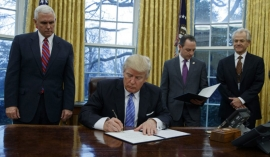 Trump withdraws from TPP trade deal