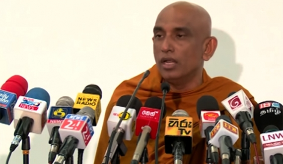 Rathana Thera takes up battle against new constitution
