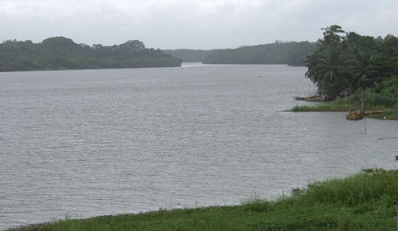 Kalutara consumers get a supply of brackish water