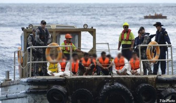 Australia returns 20 illegal Lankan immigrants