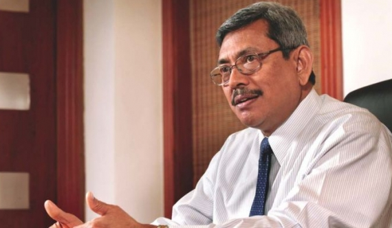 Gota in discussion with his friends in Las Vegas regarding the current situation….