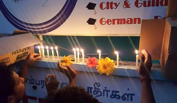 Candles lit for Chavakachcheri accident victims (Pics)