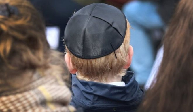 Germany's Jews urged not to wear kippahs