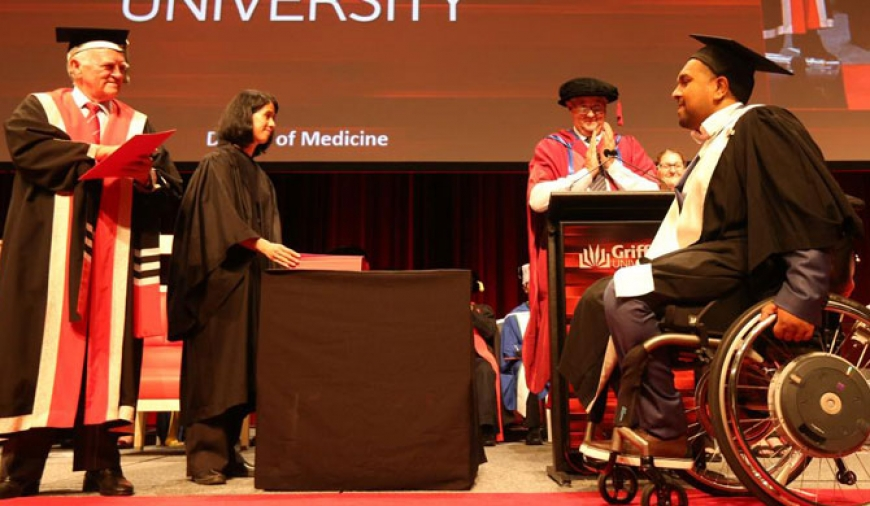 Quadriplegic is state's only medical graduate yet to receive job offer from Queensland Health