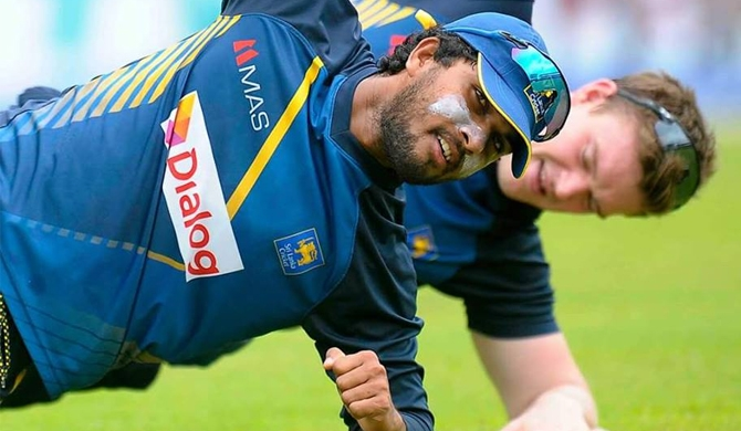 Chandimal joins Army: will undergo military training shortly