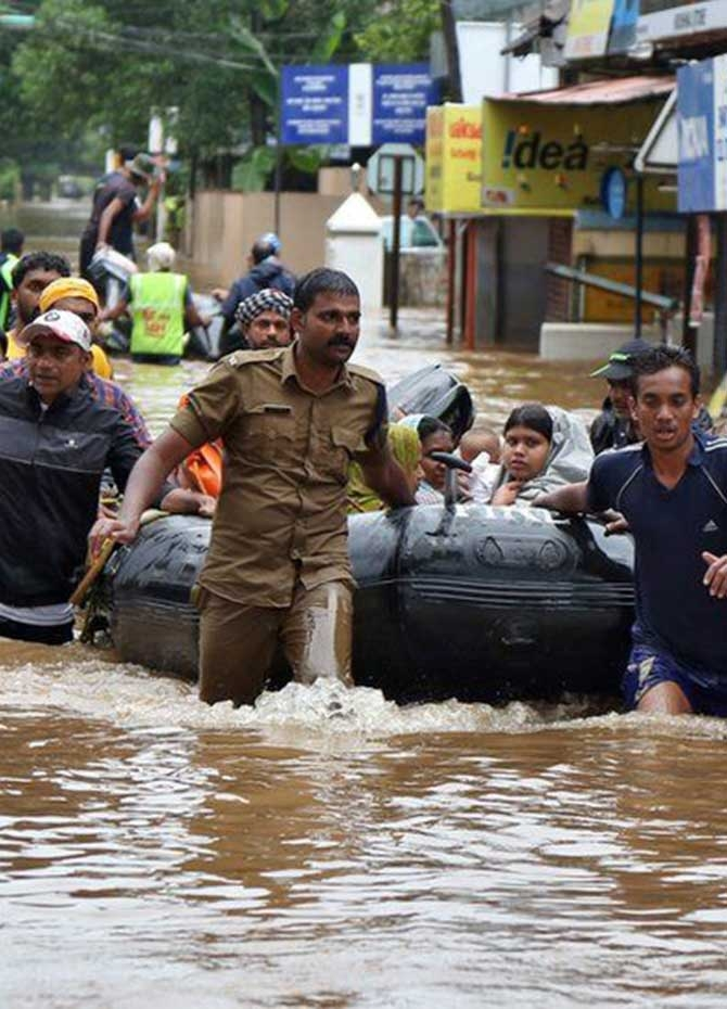 Monsoons wreak havoc in Kerala (Pics)