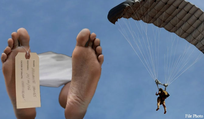 Soldier dies during parachute training