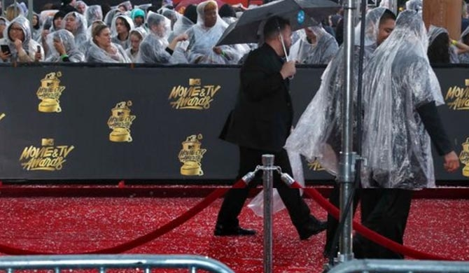 Hailstorm hits MTV red carpet (Pics)