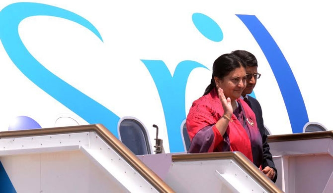 Nepali President arrives in Sri Lanka (pics)