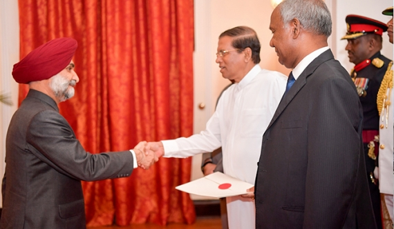 New Indian High Commissioner presents credentials