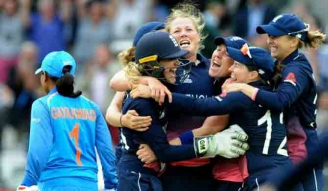 England snatches World Cup in thrilling final